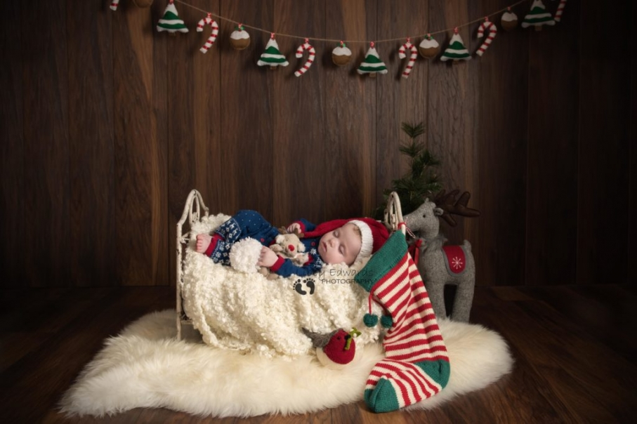 Portsmouth baby Christmas photos